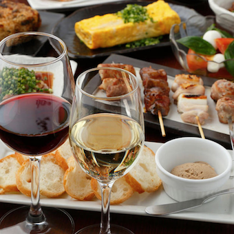 【ホール】引越手当・近隣家賃補助・家族手当有◎焼鳥とワインの人気店!独立希望者も大歓迎!