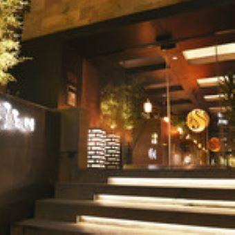 月収30万円以上も目指せる◎シーンに合わせたおもてなしが特徴の創作レストラン調理スタッフ募集!