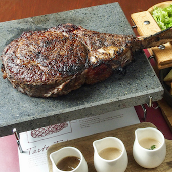 【料理長・正社員】平均休日数月8日◎待遇・社内イベントも充実◎パリに本店を持つフレンチ肉ビストロ!