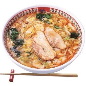 数え切れない試作から生み出された自慢のスープ。スープソムリエ制度は味と技術を守っています。