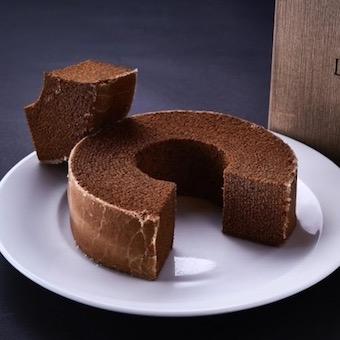 ケーキなどの焼き菓子も扱います。スイーツ好きにはたまりませんね!