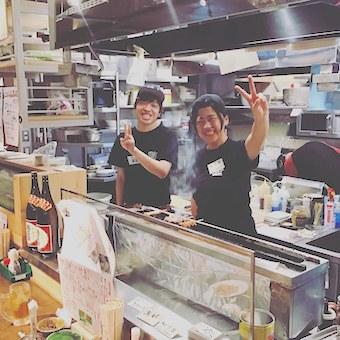 串うちも学べる人気やきとん店でキッチン!独立の夢を叶えたスタッフ多数♪