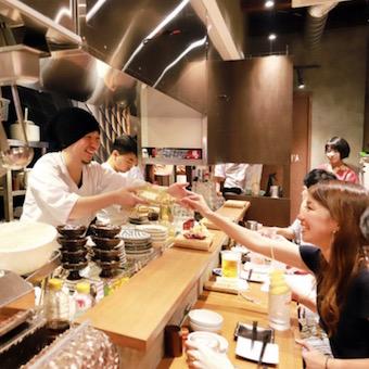 【調理・キッチン】熟成鶏や希少部位を使った本格焼き鳥と楽しいサービスを提供する居酒屋(休日選択制)