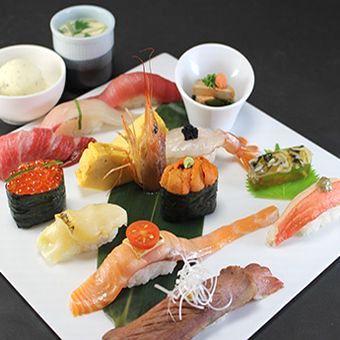 ネタは新鮮!盛り付け鮮やか!人気のお寿司!