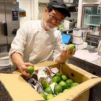 瀬戸内食材を使った地中海料理を生産者の想いと共に届けるレストランのキッチン(月7〜8日休)