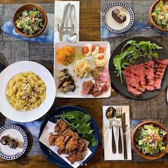 瀬戸内食材を使った地中海料理を生産者の想いと共に届けるレストランのホール(月7〜8日休)