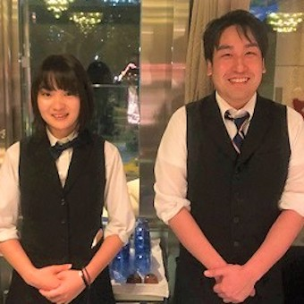 東京の一等地日比谷ミッドタウン内!タイ料理レストランで接客!月8日休・高月給スタート♪
