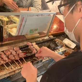 大山駅で常連さん多数の人気のやきとん居酒屋店で調理のお仕事!月8日休み