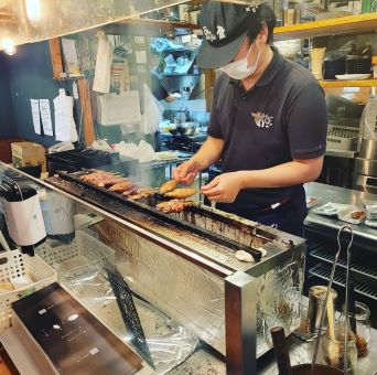 新板橋駅で常連さん多数の人気のやきとん居酒屋店で調理のお仕事!月8日休み