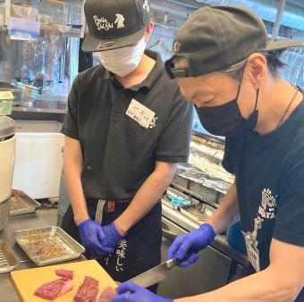 平和台駅で常連さん多数の人気のやきとん居酒屋店で調理のお仕事!月8日休み